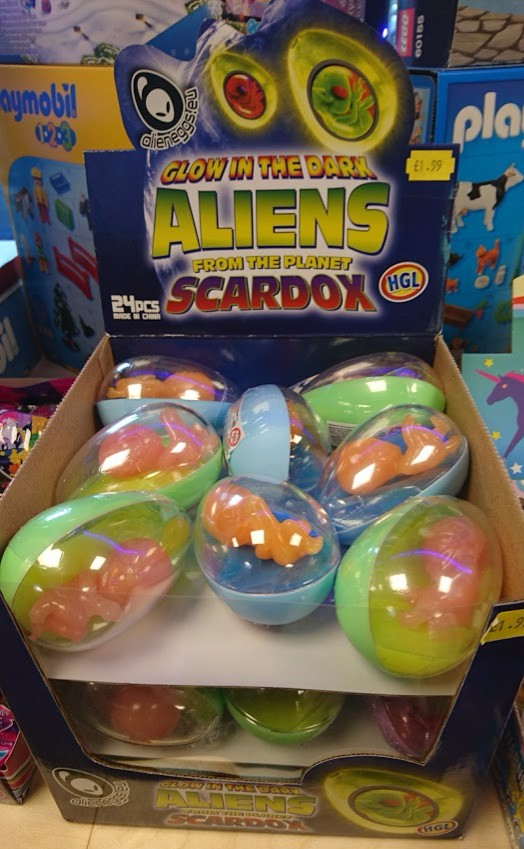 Glow in the dark aliens